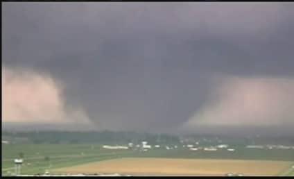 Oklahoma Tornado Kills at Least 24; Hundreds Injured, City Demolished