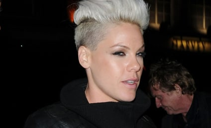Pink on Miley Cyrus, Hair: Beautiful! Rockin!