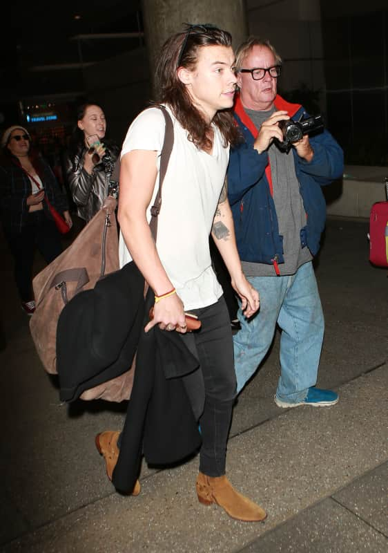 Harry Styles Lands at LAX