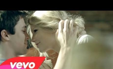 "Taylor Swift: ""White Horse"""