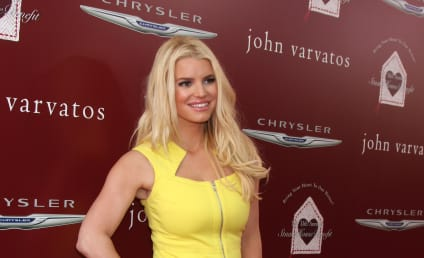 Jessica Simpson Lost 65 Pounds By Walking 6 Miles a Day!