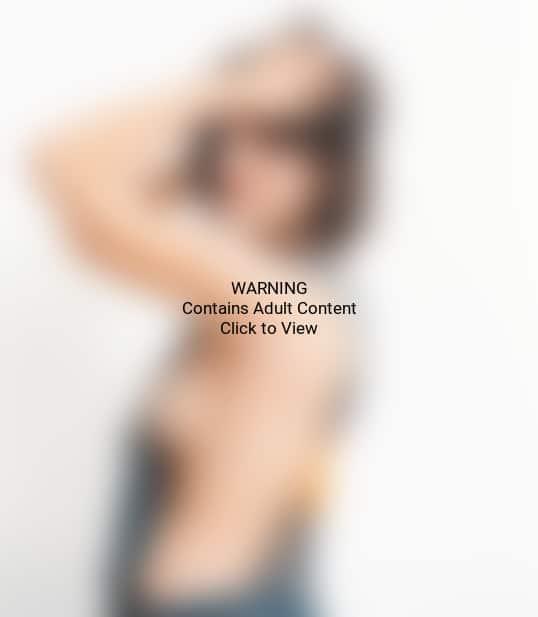 Elisabeth Moss Topless Photo