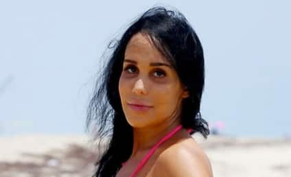 Octomom Auctioning Off Date With Herself: You Buying?!