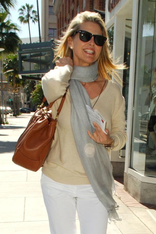 Christie Brinkley Struts