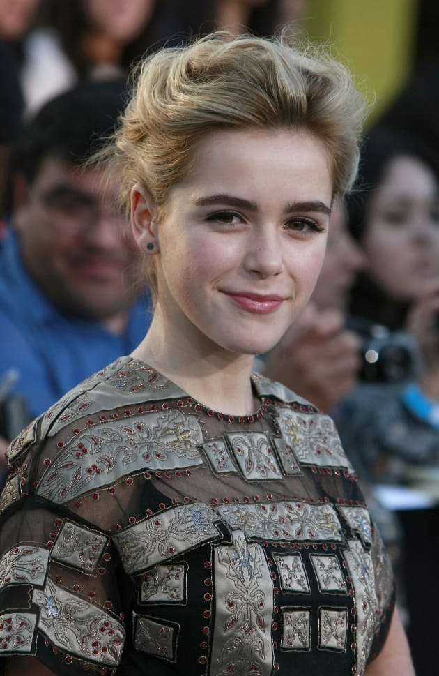 Kiernan Shipka on Divergent Red Carpet