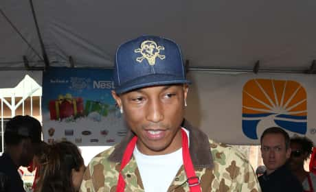 Pharrell Williams: Los Angles Mission Christmas Meal to the Homeless