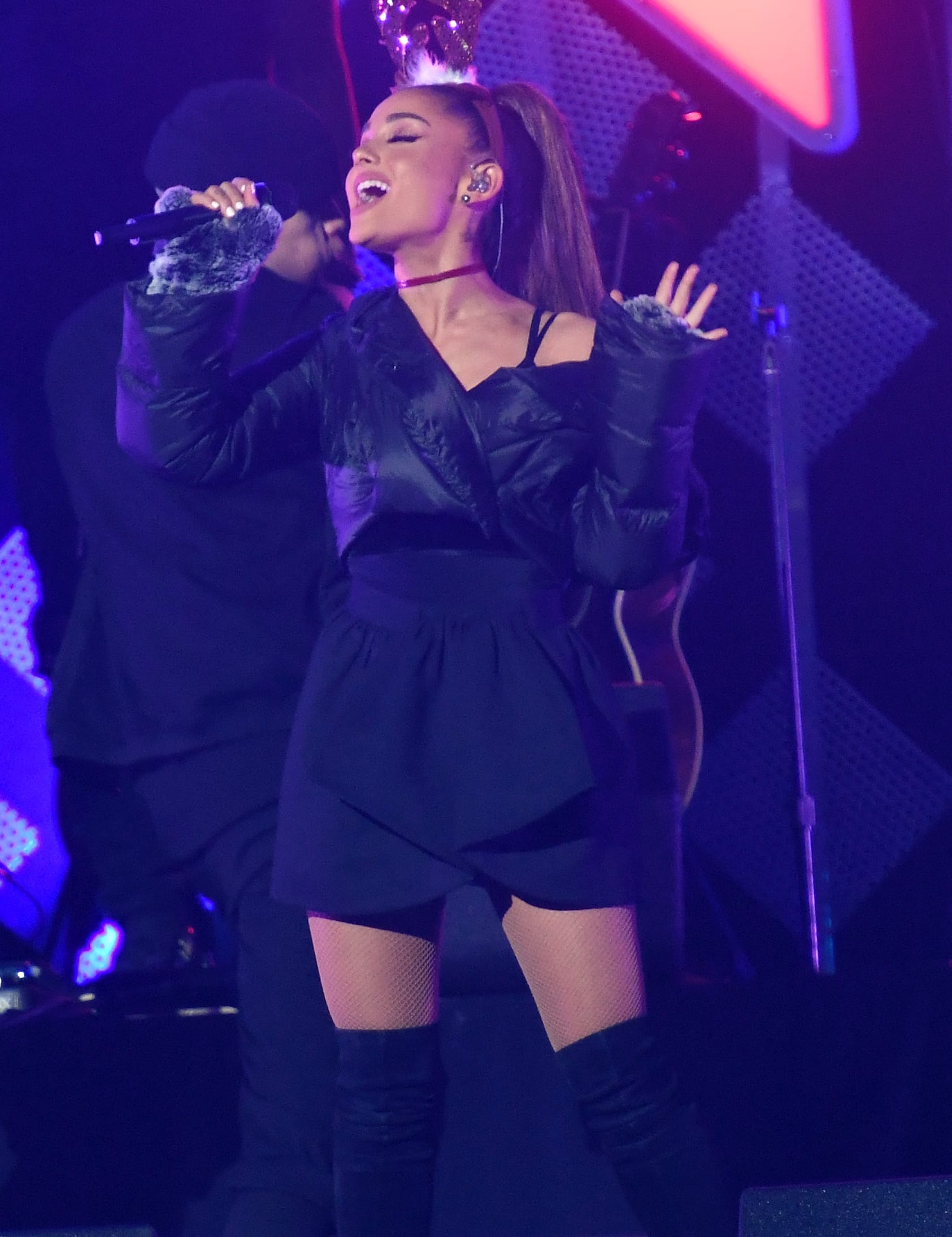 Ariana Grande Concert Rocked By Explosion At Least 22 Dead The