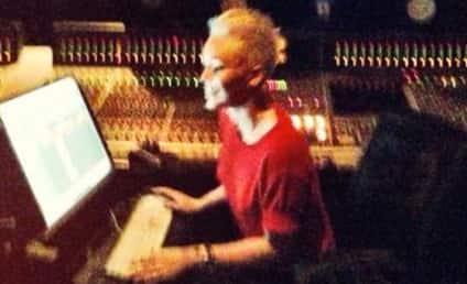 Miley Cyrus Returns to Recording Studio