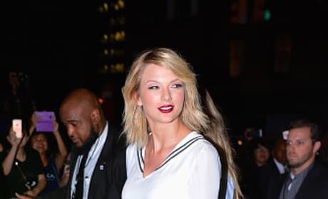 Taylor Swift Dazzles In New York City