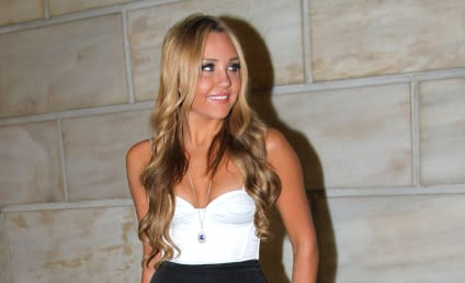 "Amanda Bynes Weight Loss Goal: 100 Pounds! At 5'8""!"