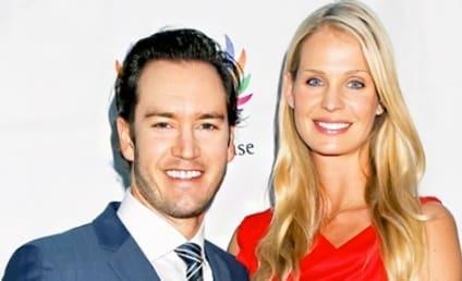 Mark-Paul Gosselaar and Catriona McGinn: Expecting!