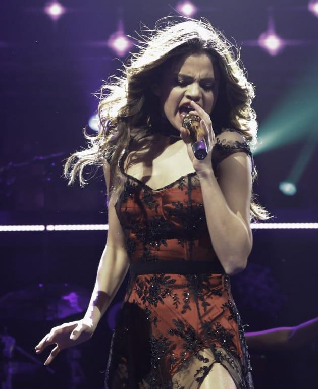 Selena Gomez Jingle Ball Pic