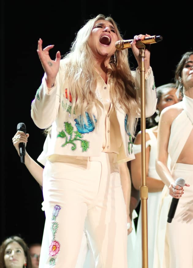 Kesha at the 2018 Grammys