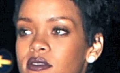 Rihanna and Chris Brown MAKE OUT at Club!