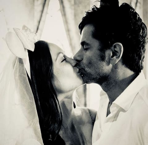 Caitlin McHugh and John Stamos, Wedding Photo