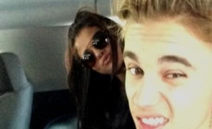 Justin Bieber: Texting Selena Gomez! Begging to Get Back Together!