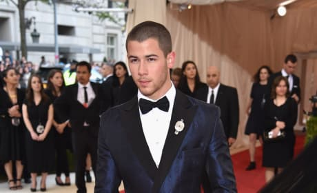 Nick Jonas: 2016 Costume Institute Gala