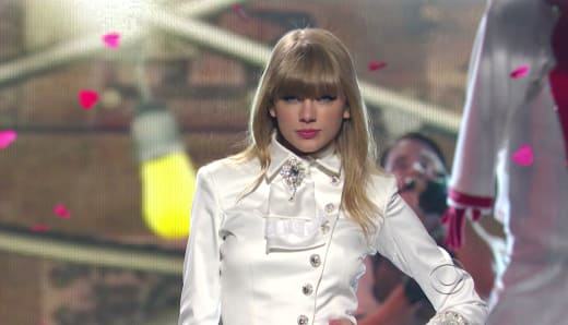 Taylor Swift Grammy Picture