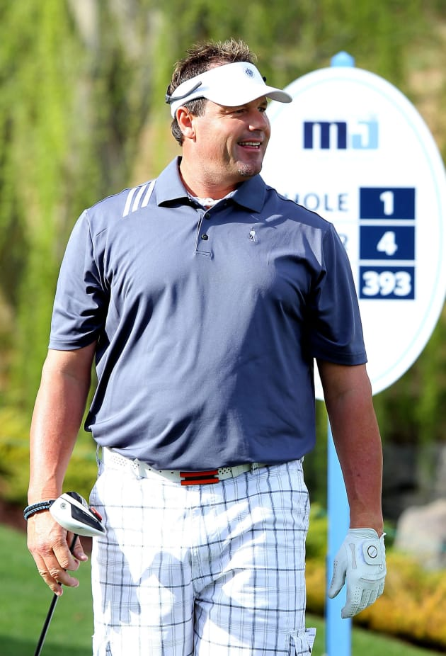 Roger Clemens Plays Golf