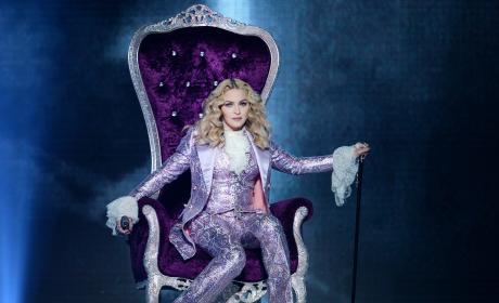 Madonna Honors Prince