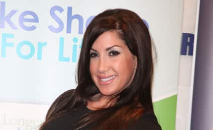 Jacqueline Laurita Admits to Plastic Surgery