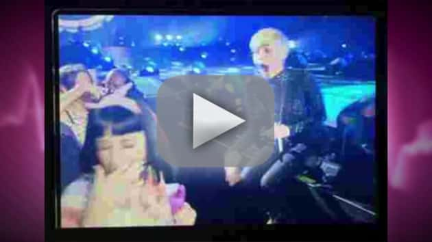 Miley Cyrus, Katy Perry Make Out
