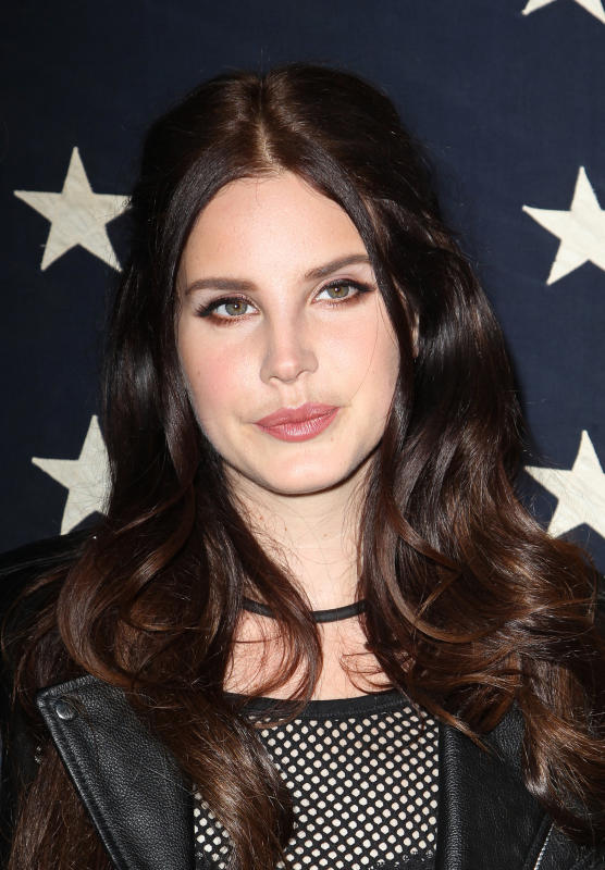 Lana Del Rey: Hot as Always