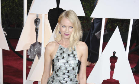Naomi Watts at the 2015 Oscars