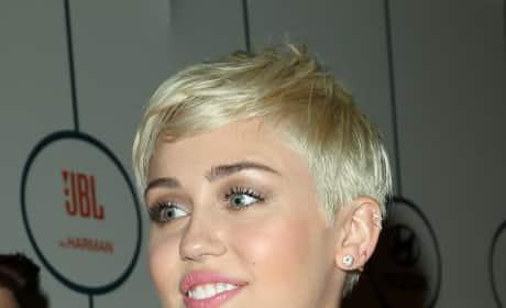 Miley Cyrus Blonde Bob Image