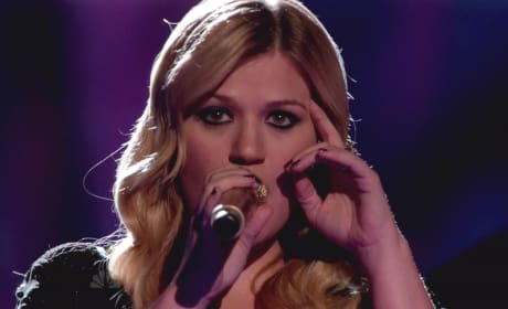 Kelly Clarkson on The Voice