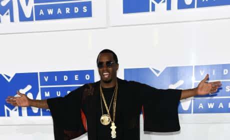Sean Diddy Combs VMAs 2016