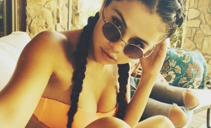 Selena Gomez Bikini Photo: So Brave! So HOT!