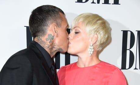 Carey Hart Kisses Pink