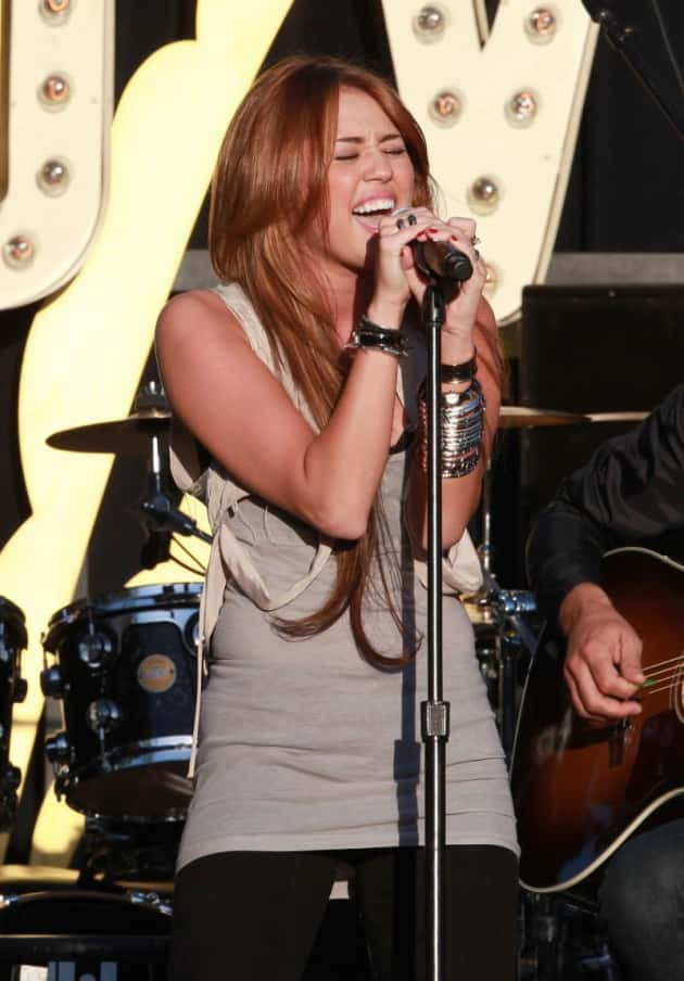 Cyrus on Stage