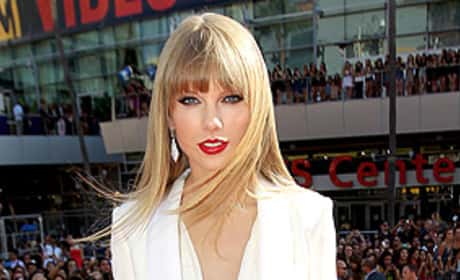 Taylor Swift Bangs