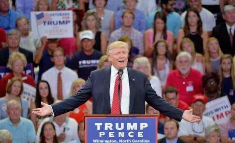 Donald Trump Invites Clinton Mistress Gennifer Flowers To Presidential Debate