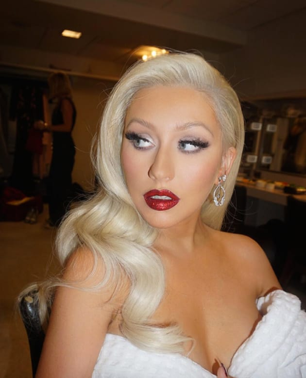 Christina Aguilera's New Blonde Hair