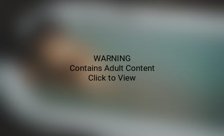 Rihanna Naked in Stay Video