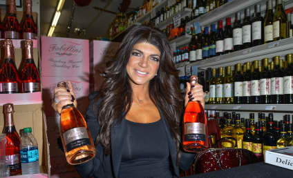 Teresa Giudice: Hoping For Early Release, Job in Prison Kitchen, Lawyer Says