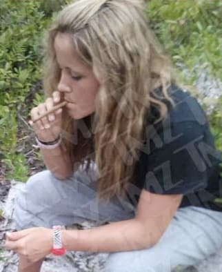 Jenelle Evans Smokes Weed