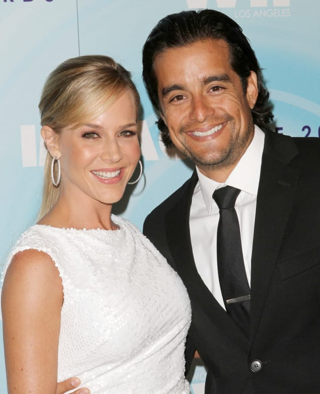 Julie Benz And Rich Orosco Married The Hollywood Gossip