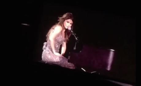 Selena Gomez Breaks Down in Concert Over Christina Grimmie