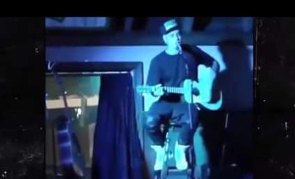 Justin Bieber Performs Surprise Acoustic Show, Actually Doesn't Suck