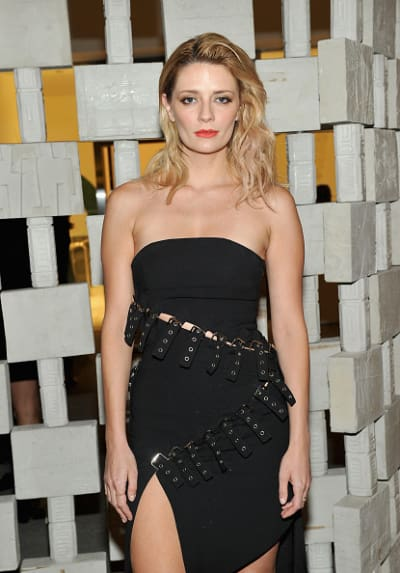 Mischa Barton Dresses To Impress