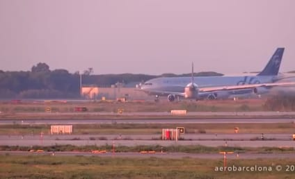 Planes Nearly Collide on Barcelona Runway: See the Video