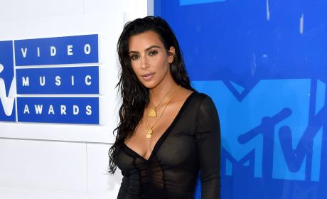 Kim Kardashian at the VMAs: Delicious or Desperate?