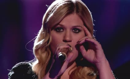 Happy 31st Birthday, Kelly Clarkson!