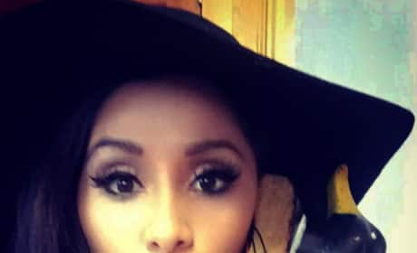 Snooki Back In The Jersey Shore House!