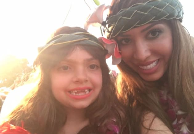 Farrah Abraham Slammed For Bikini Photo Of Daughter To -2276