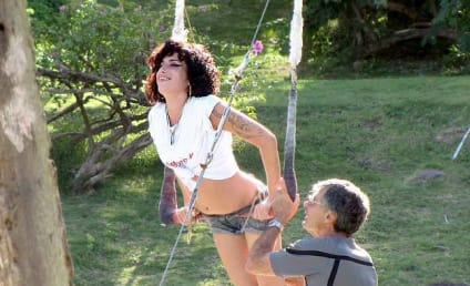 Amy Winehouse Vacation Photos: Water Sports Edition